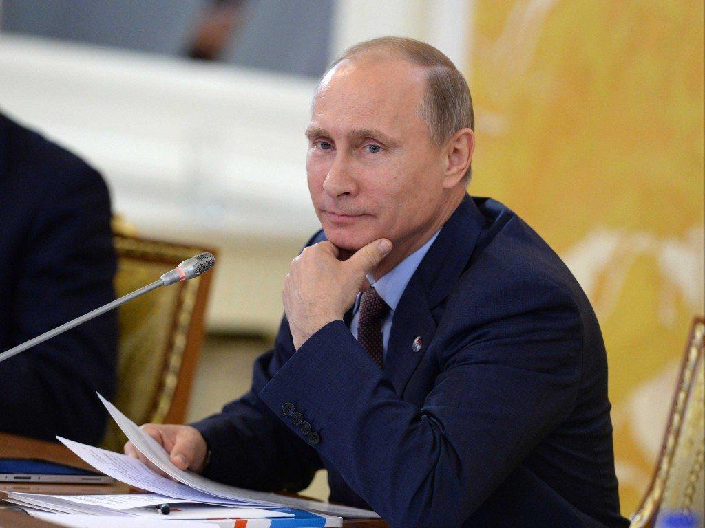 Путин: семья играет главную роль ввоспитании личности ребенка