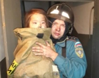 Пожар вЛенинске-Кузнецком: Спасены трое детей