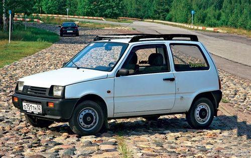 ВКузбассе 13-летняя девочка угнала иразбила машину