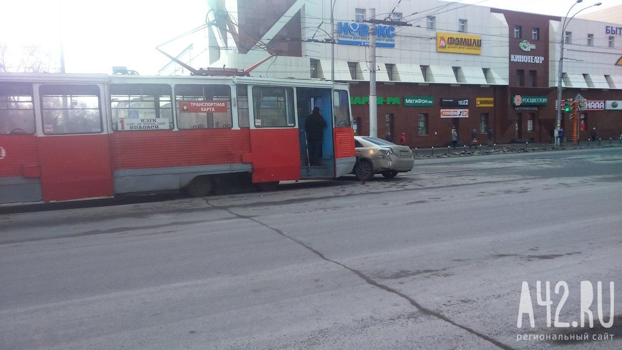 Секс жестко в трамвае