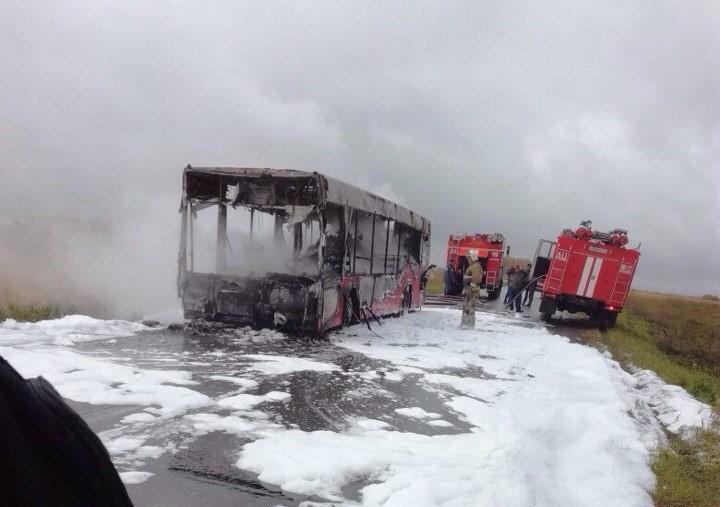 Пожар впригородном автобусе вКемеровской области потушен