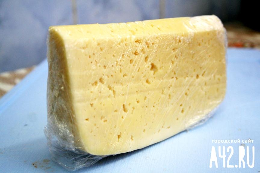 Роспотребнадзор усилит контроль закачеством недорогого сыра