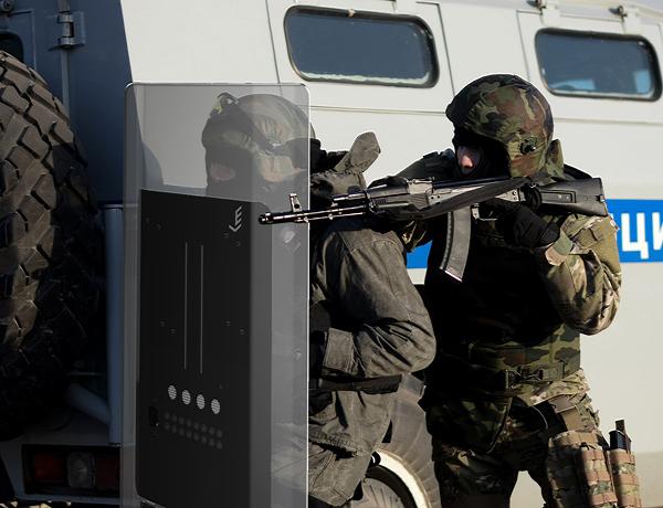 Работники милиции получат электрошоковые щиты