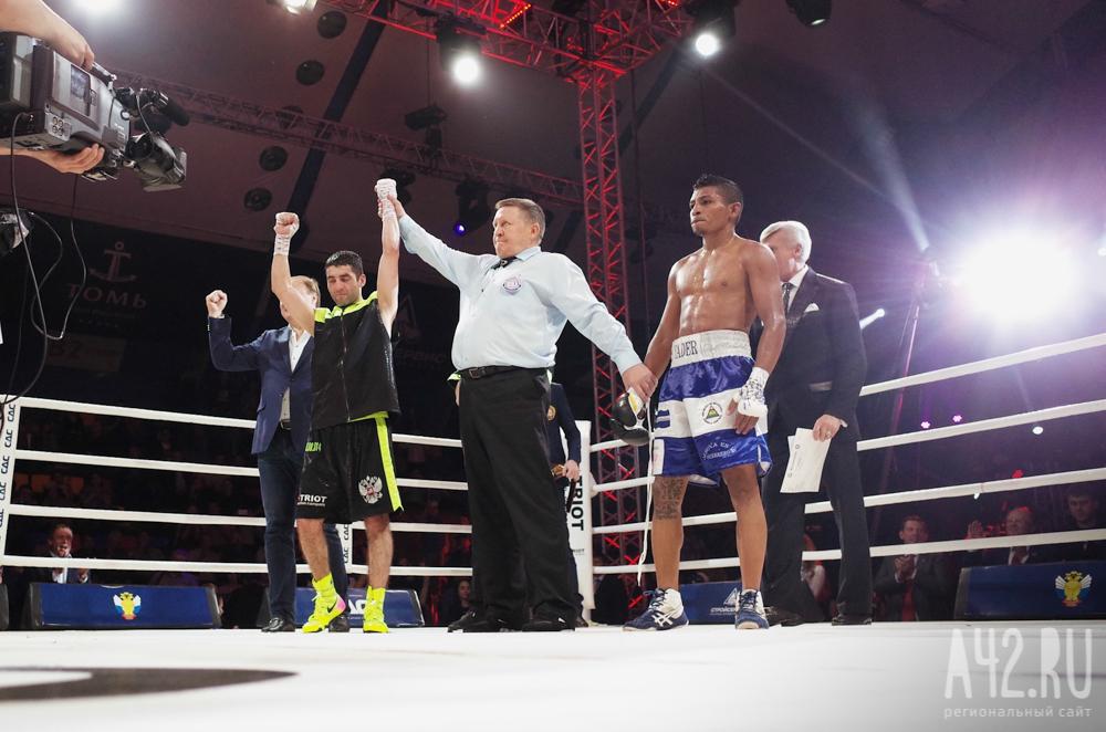 Миша Алоян победил впервом бою напрофессиональном ринге