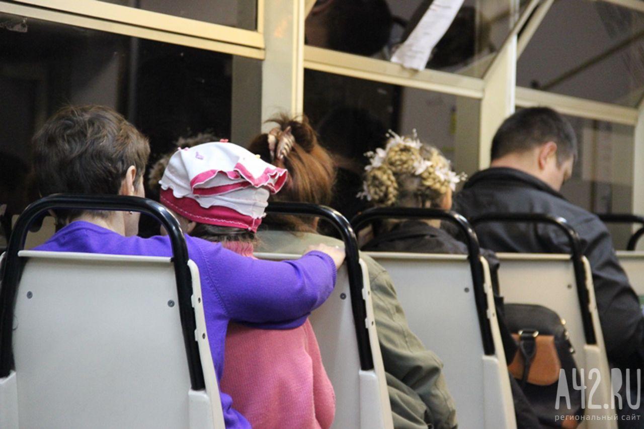 ВКемерове угодила навидео драка между пассажирами автобуса 179э