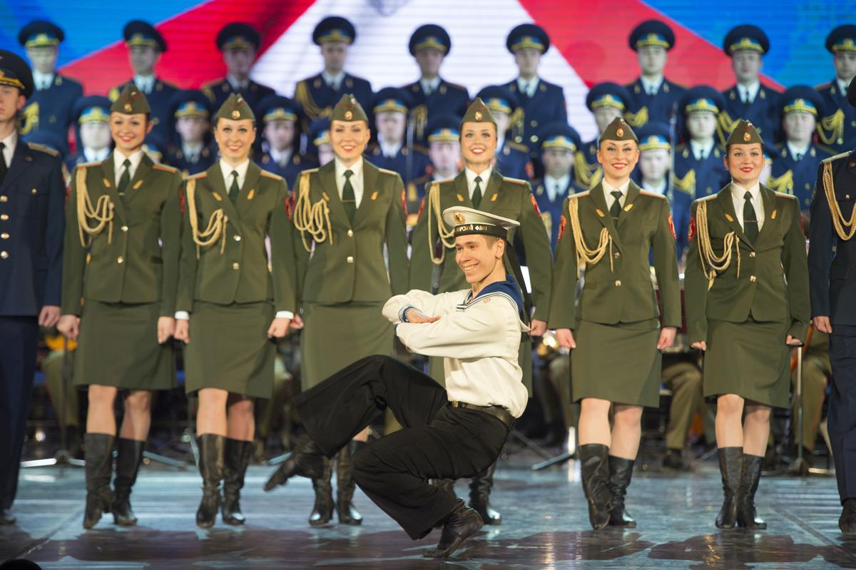 Минобороны отправляет на«НАШЕСТВИЕ» ансамбль Александрова