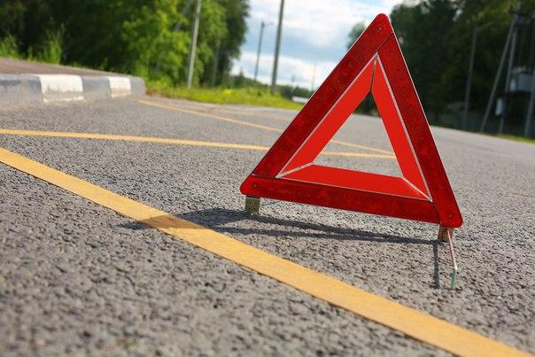 5 человек пострадали вчудовищном ДТП смикроавтобусом натрассе вКузбассе