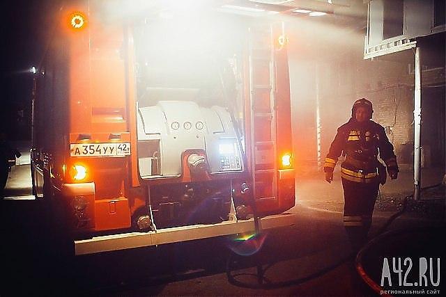 Ночью вКемерове горел автомобиль