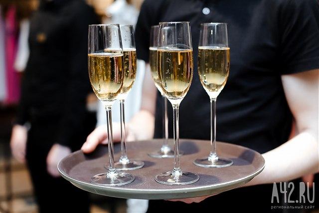 Перед праздниками вКузбассе проверят качество алкоголя ипиротехники