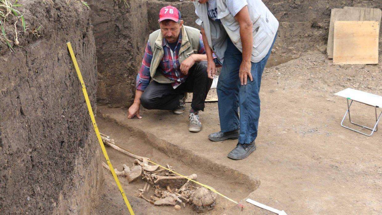 Вгосударстве Украина археологи раскопали могилу молодой ведьмы 3