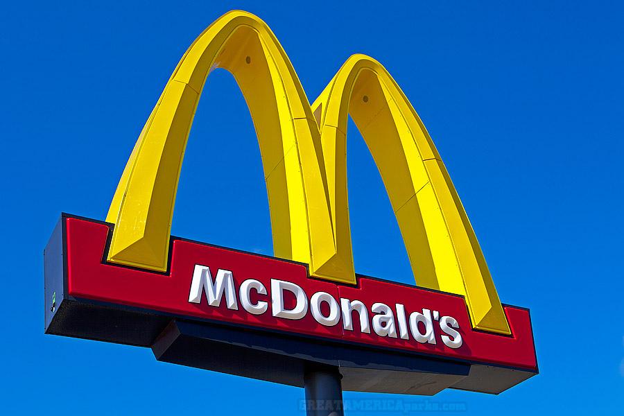 Работник McDonald's раскрыл тайный способ получить свежую еду всети интернет