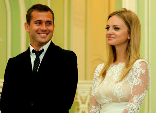 кержаков фото и его жена