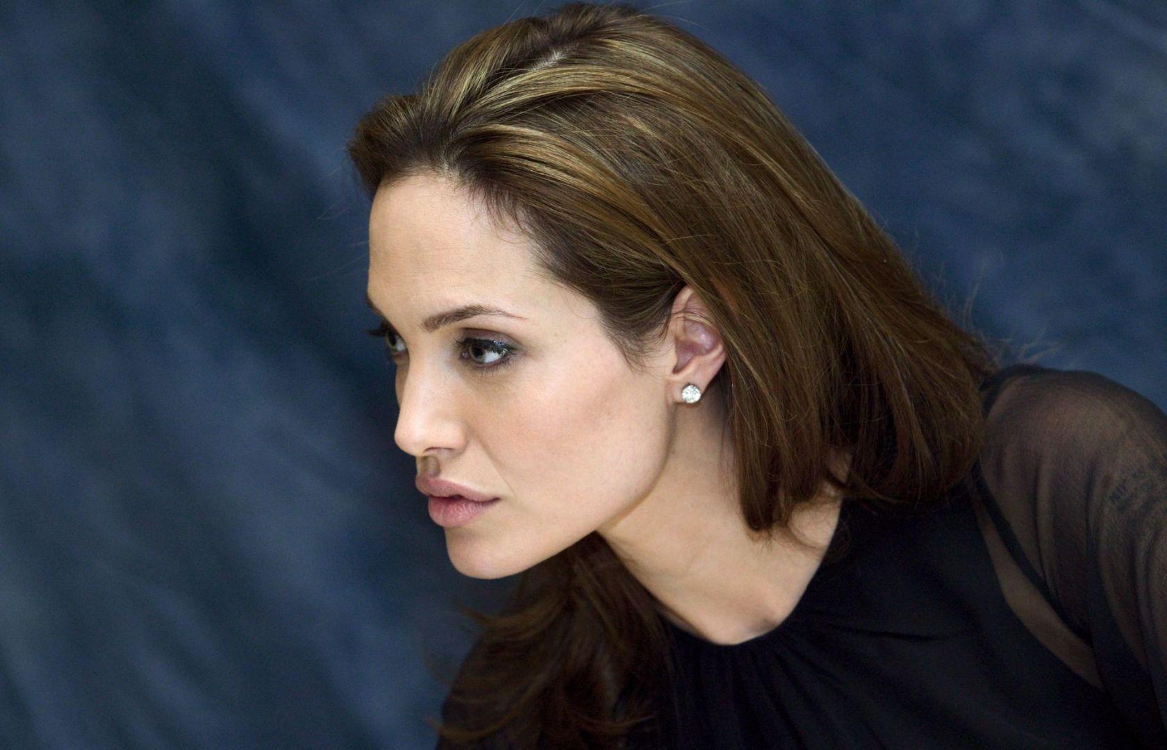 Стало известно, почему Анджелина Джоли решила уйти из кино анджелина джоли кинопоиск