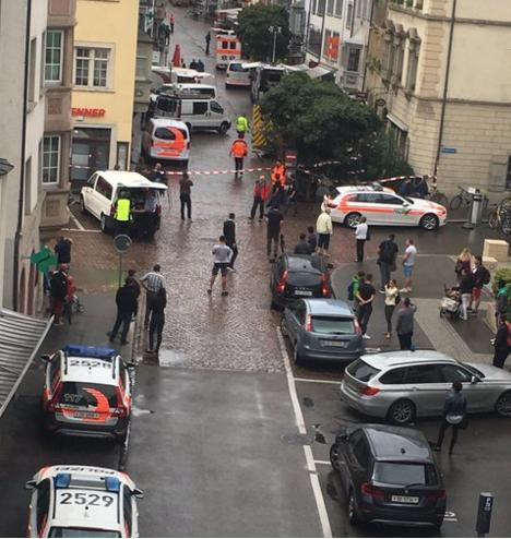 """""""Паника и кровь"""": перепуганные очевидцы """"швейцарской резни"""" опубликовали видео из Шаффхаузена в соцсетях"""
