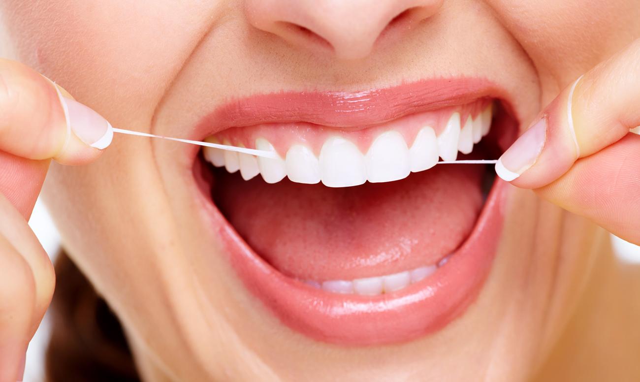 Зубная нить может быть опасна, сообщили ученые