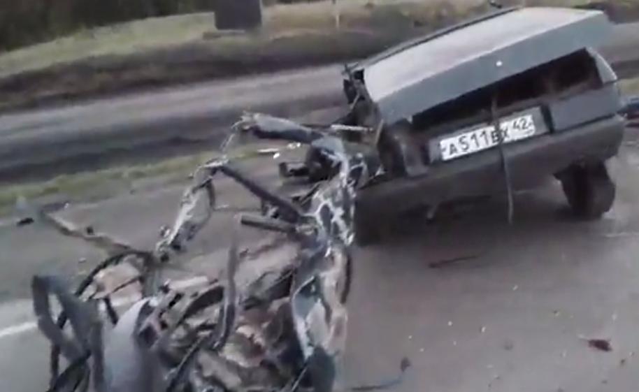 Пассажир ВАЗа умер всмертельном ДТП с джипом вКузбассе