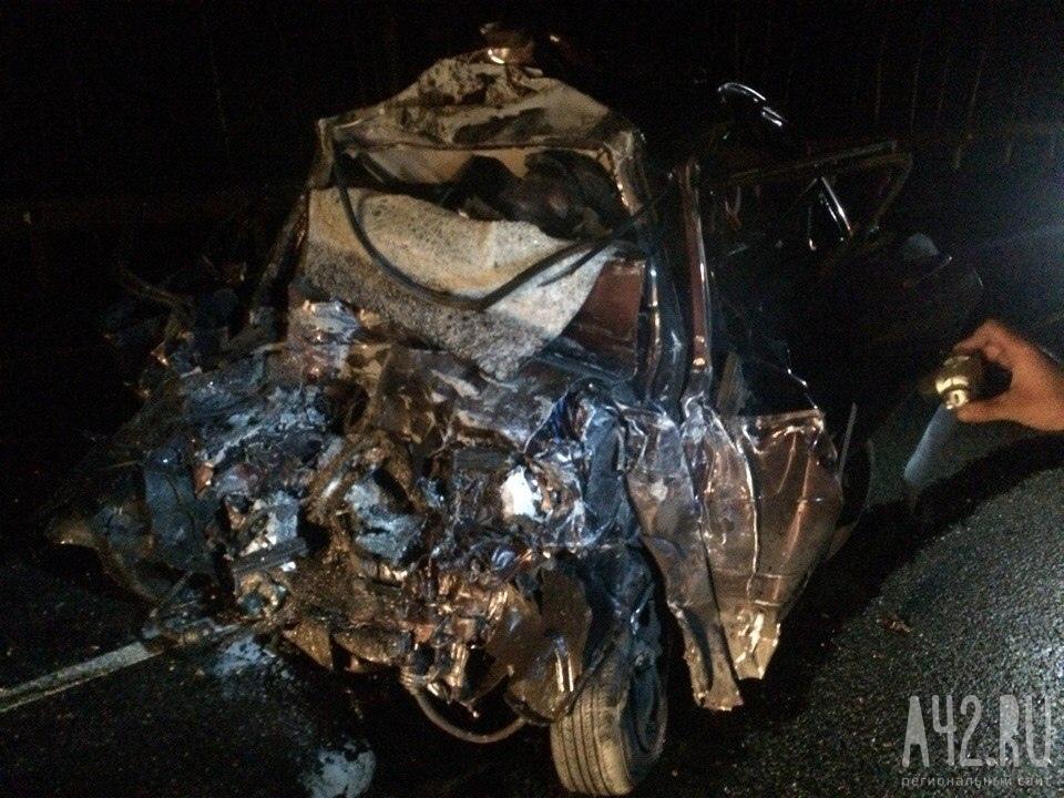 Жуткое смертельное ДТП произошло научастке трассы «Кемерово— Красноярск»