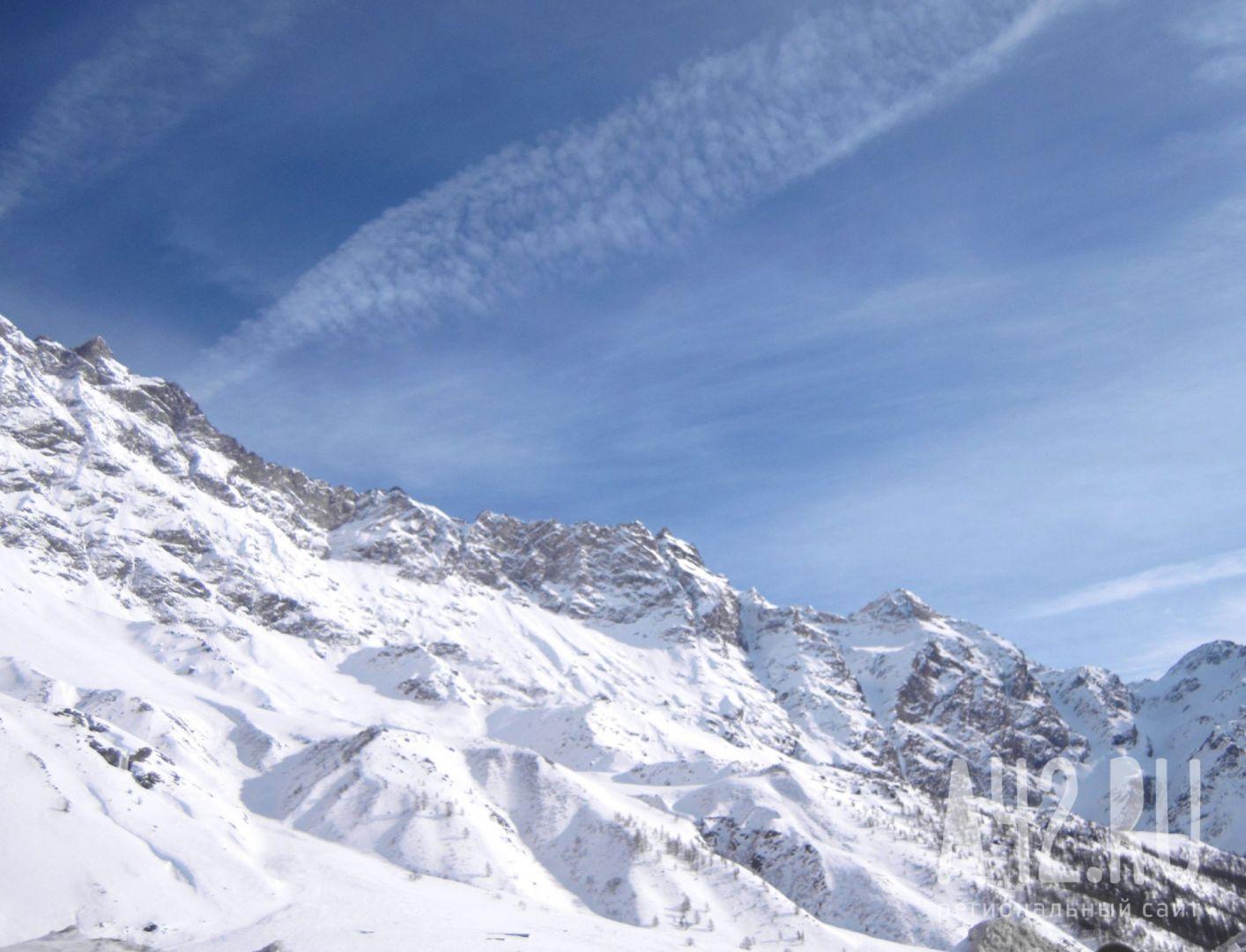 Трое альпинистов погибли иодин пропал без вести наЭвересте