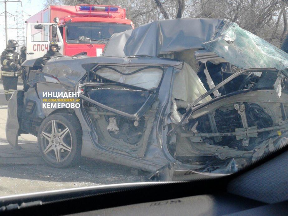 ВКемерове случилось ужасное ДТП сучастием маршрутного такси