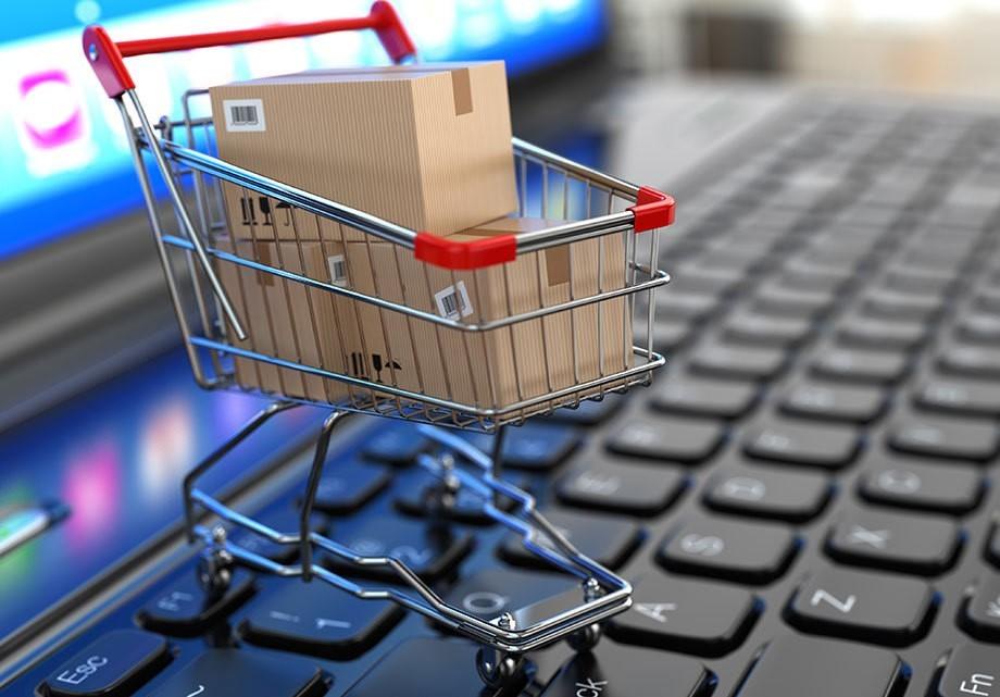 Беспошлинный порог для иностранных интернет-покупок могут снизить в50 раз