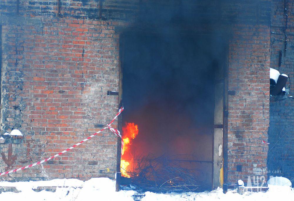 Кемеровчанин оставил племянников вгорящем доме: один ребёнок умер