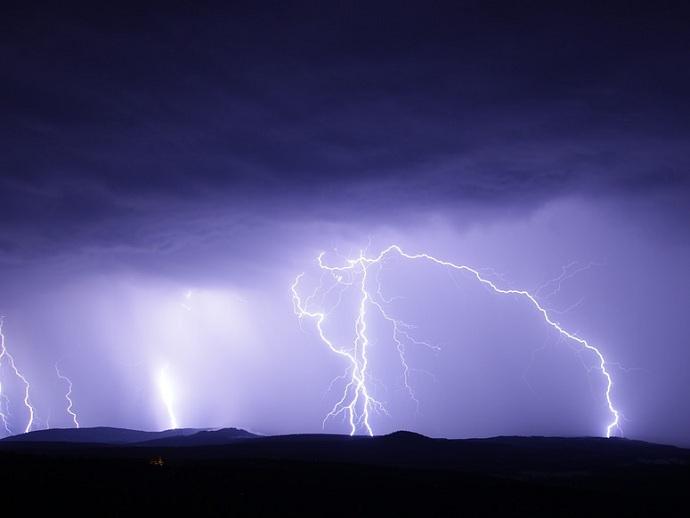 Климатолог сказал оросте числа рискованных метеорологических явлений в следующем году