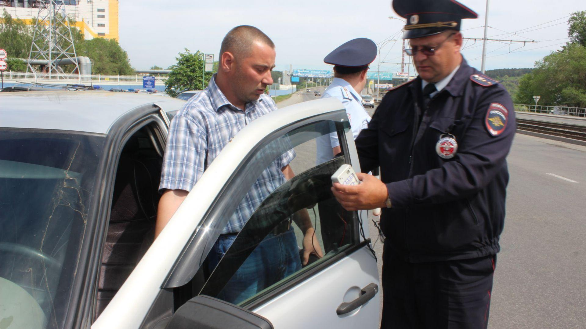 ВСаратове 8 водителей арестовали занедопустимую тонировку