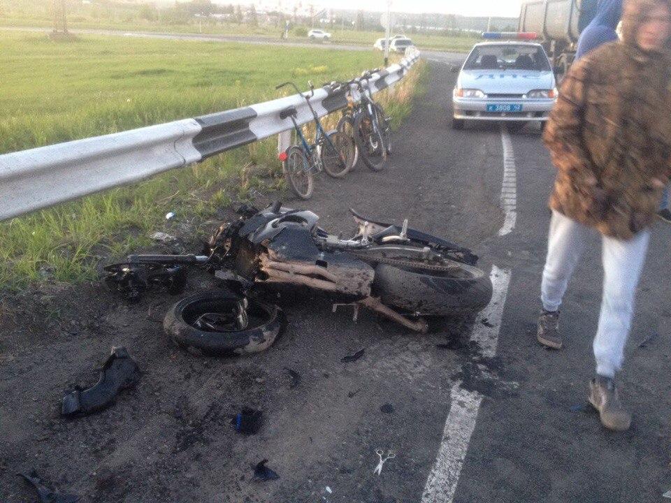 Появилось видео сместа смертельной трагедии смотоциклистом вКузбассе