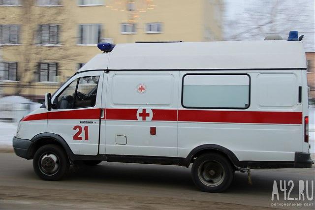 Под Кемерово перевернулась «Мазда», один человек умер