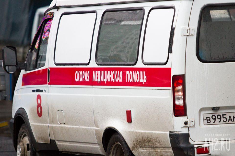 НаКиевском попути вПетербург перевернулся экскурсионный автобус сдетьми