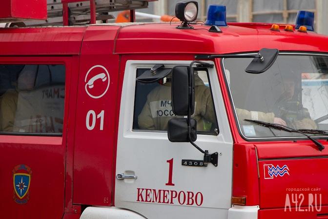 ВКемерове ночью сгорело авто