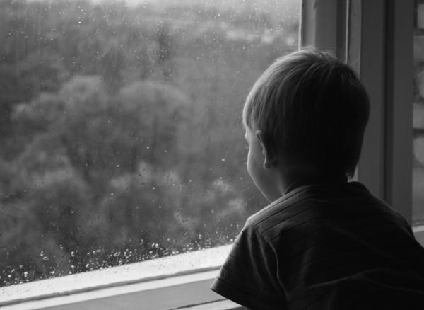 ВКемерове трёхлетний ребёнок выпал изокна 5-ого этажа