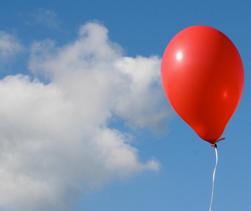 Запущенный встолице франции воздушный шарик долетел доФлориды