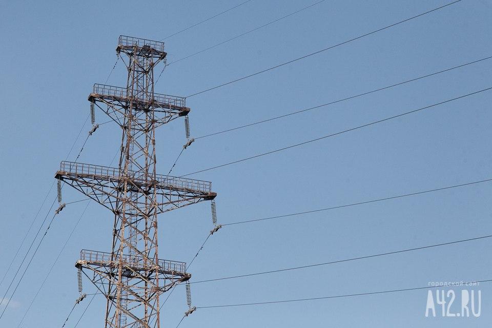Из-за сильнейшего ветра 12 тыс. граждан Удмуртии остались без света
