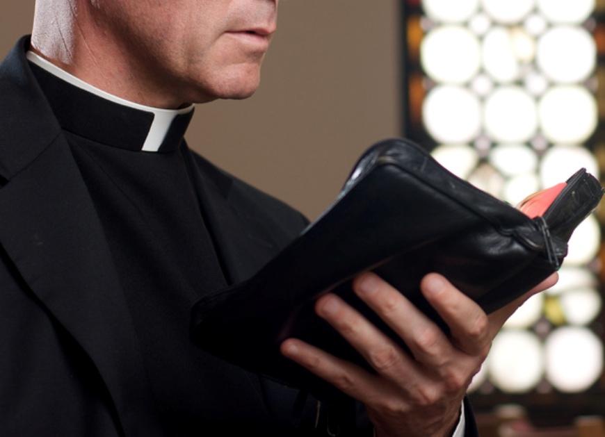 Секс священник и