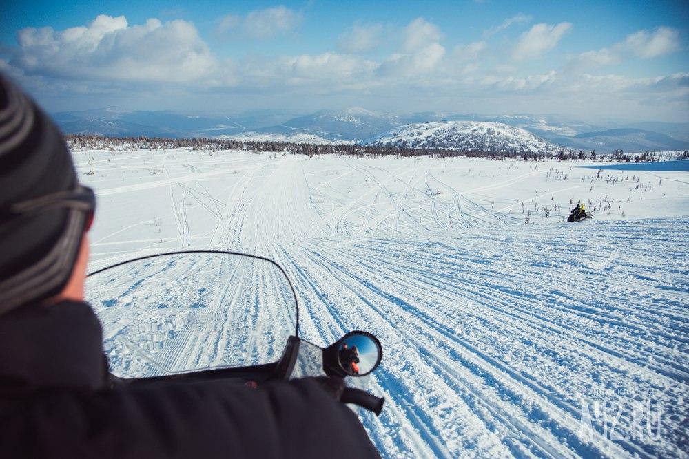 Турист изПрокопьевска провалился врасщелину валтайских горах