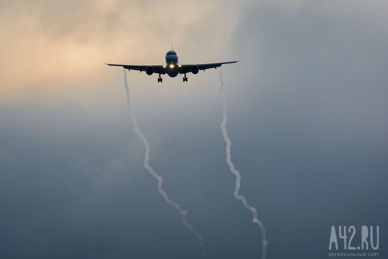 ВВолгограде вкоторый раз экстренно сел самолет авиакомпании «Победы»