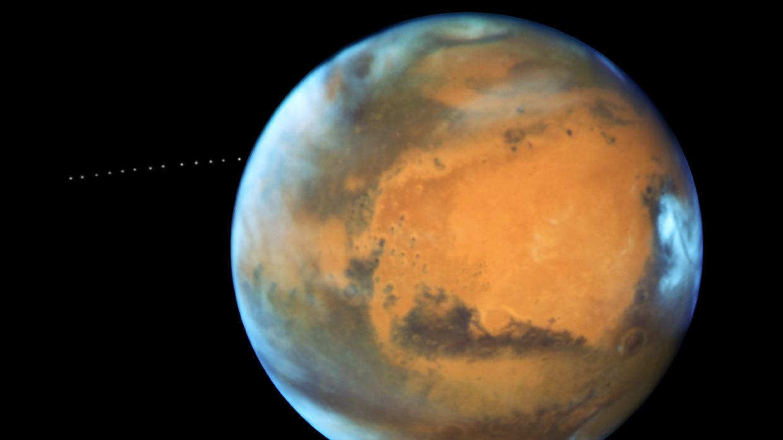 Европейские ученые сфотографировали Марс «вполный рост»