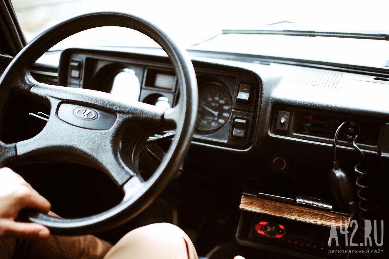 В РФ неопытным водителям хотят запретить управление сильными машинами