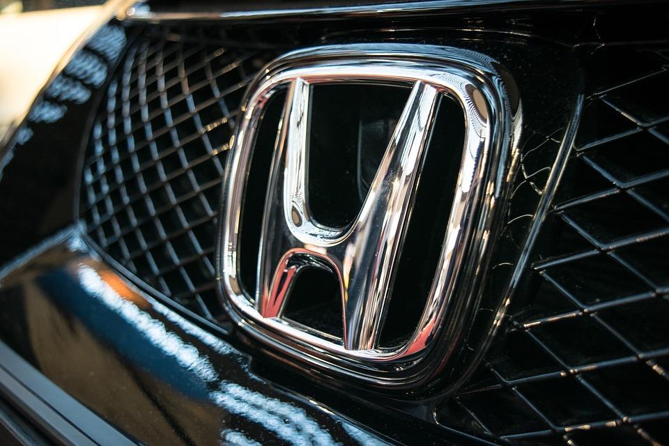 Хонда представила новый тип седана Accord