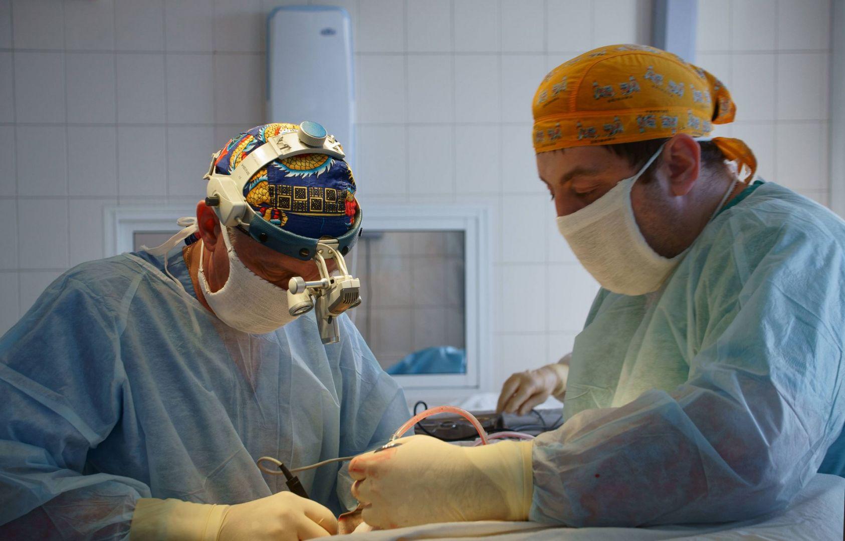 Кузбасские врачи освоили новую операцию на позвоночнике