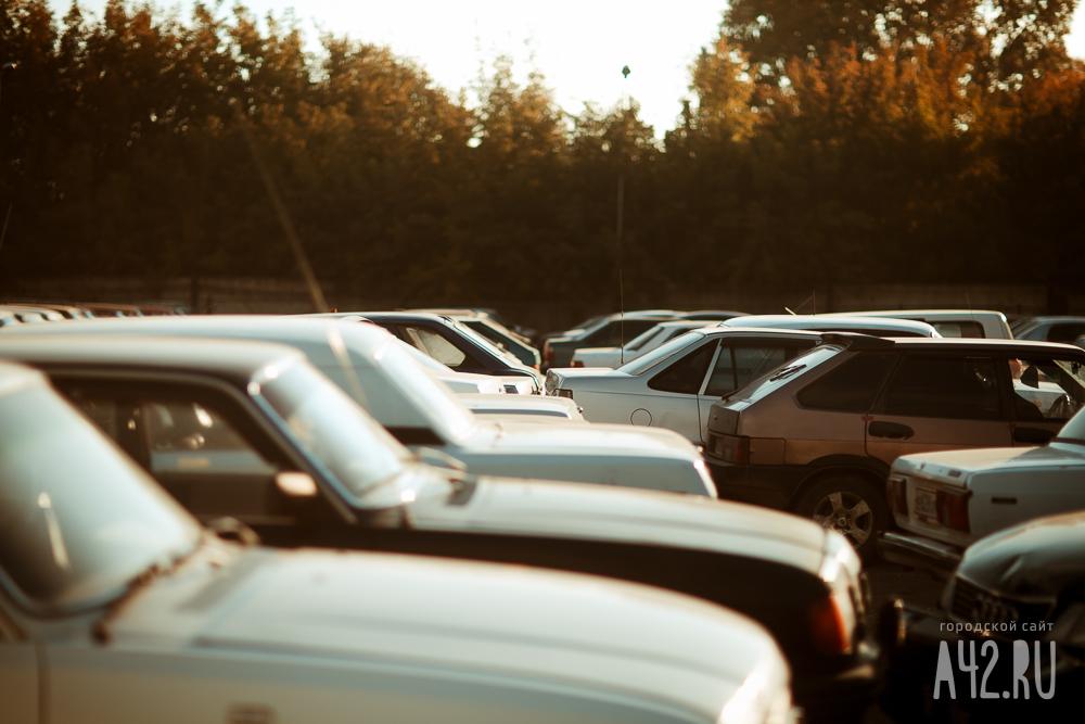 Кемеровские инспекторы оштрафовали неменее 1100 любителей автомобилей занечитаемые госномера