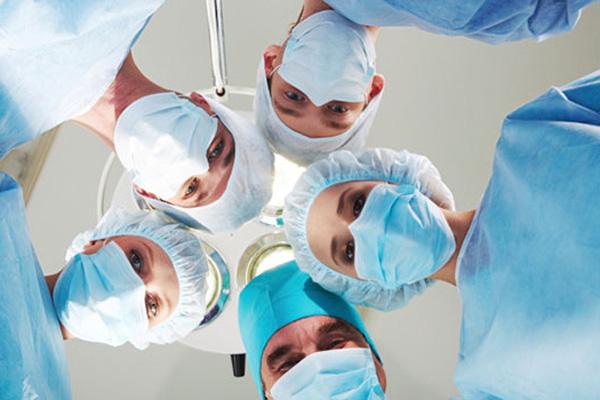 ВСоединенном Королевстве осудили хирурга заавтограф напересаженной импечени