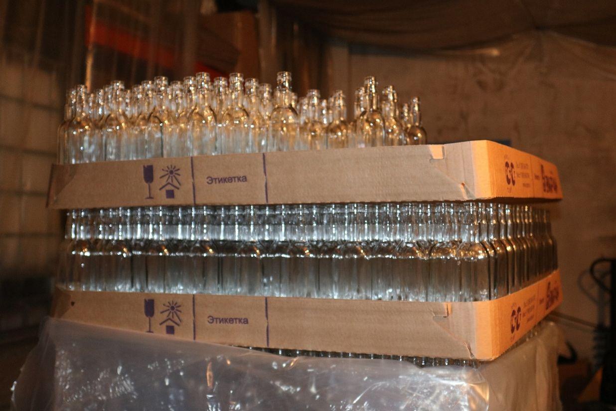 Подпольный цех попроизводству водки обнаружили вКемерове