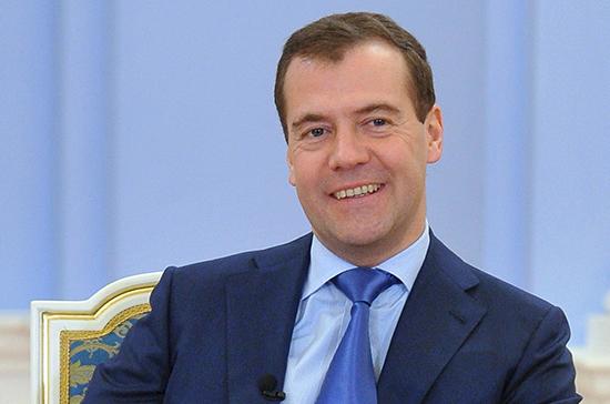 Руб. неотреагировал нарешение В. Путина оставить Медведева премьером