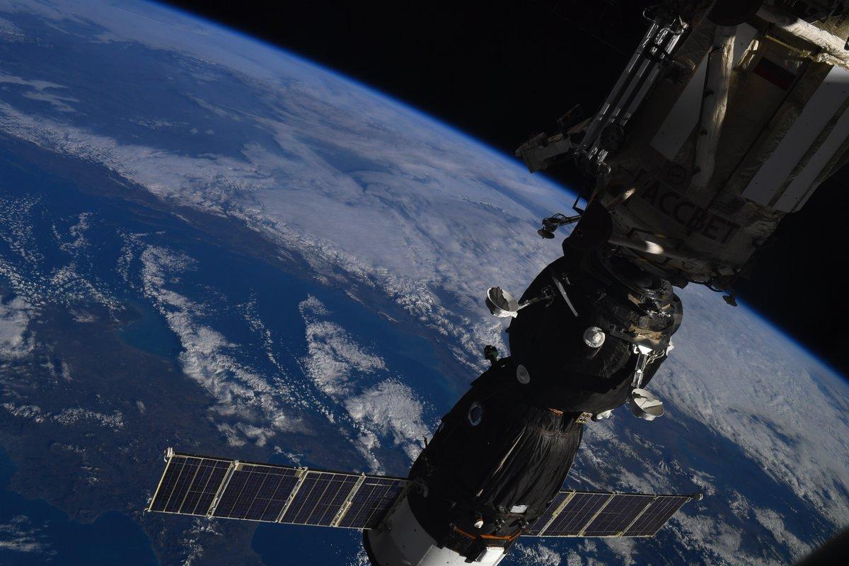 Русские космонавты наМКС проведут воткрытом космосе практически семь часов