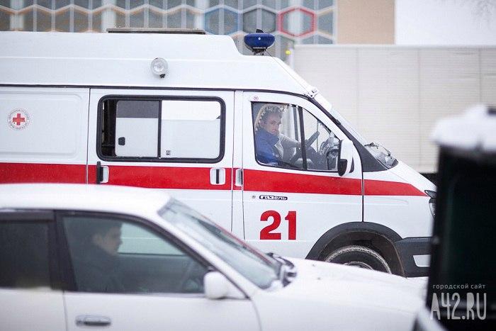 84-летняя кузбасская пенсионерка погибла, выпав изокна многоэтажки