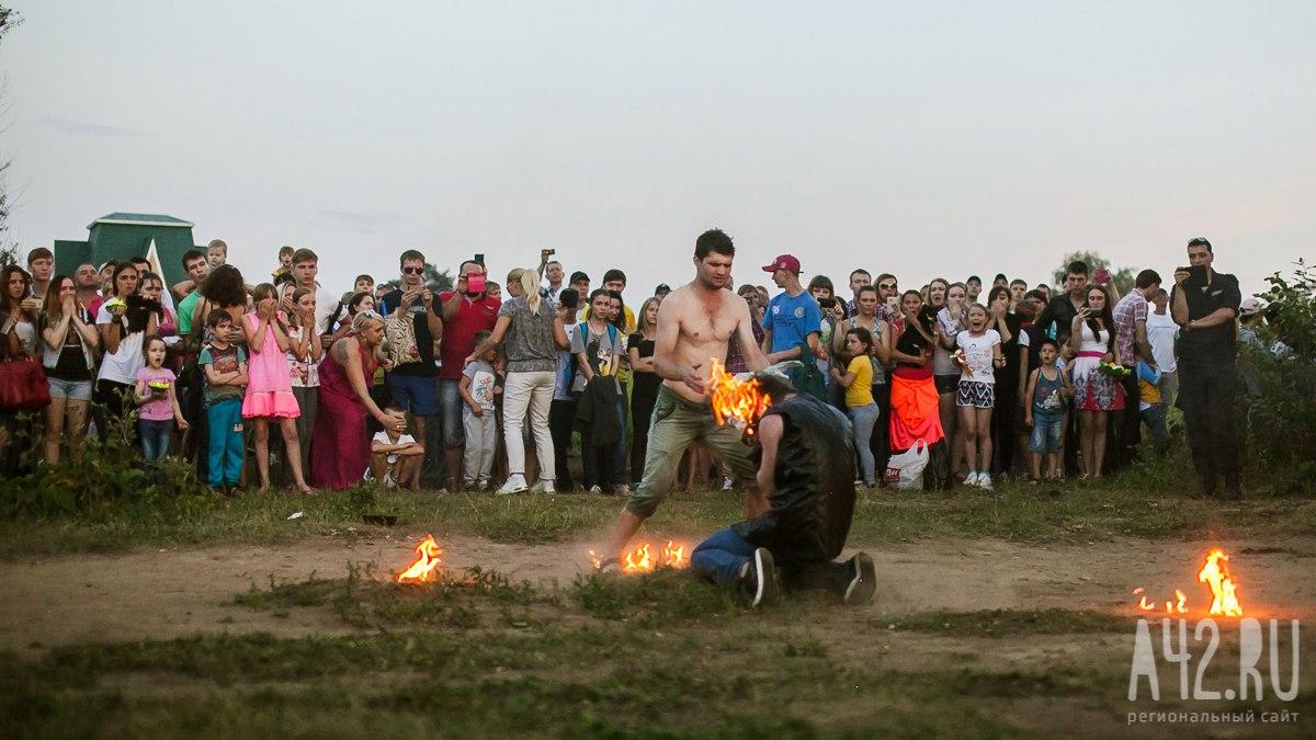ЧПнаогненном шоу вКемерове: загорелись трое артистов