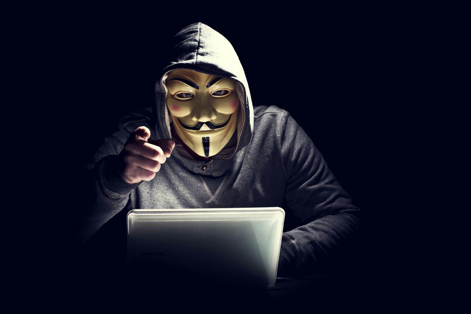 Хакеры обнародовали 2,2 миллиарда логинов и паролей