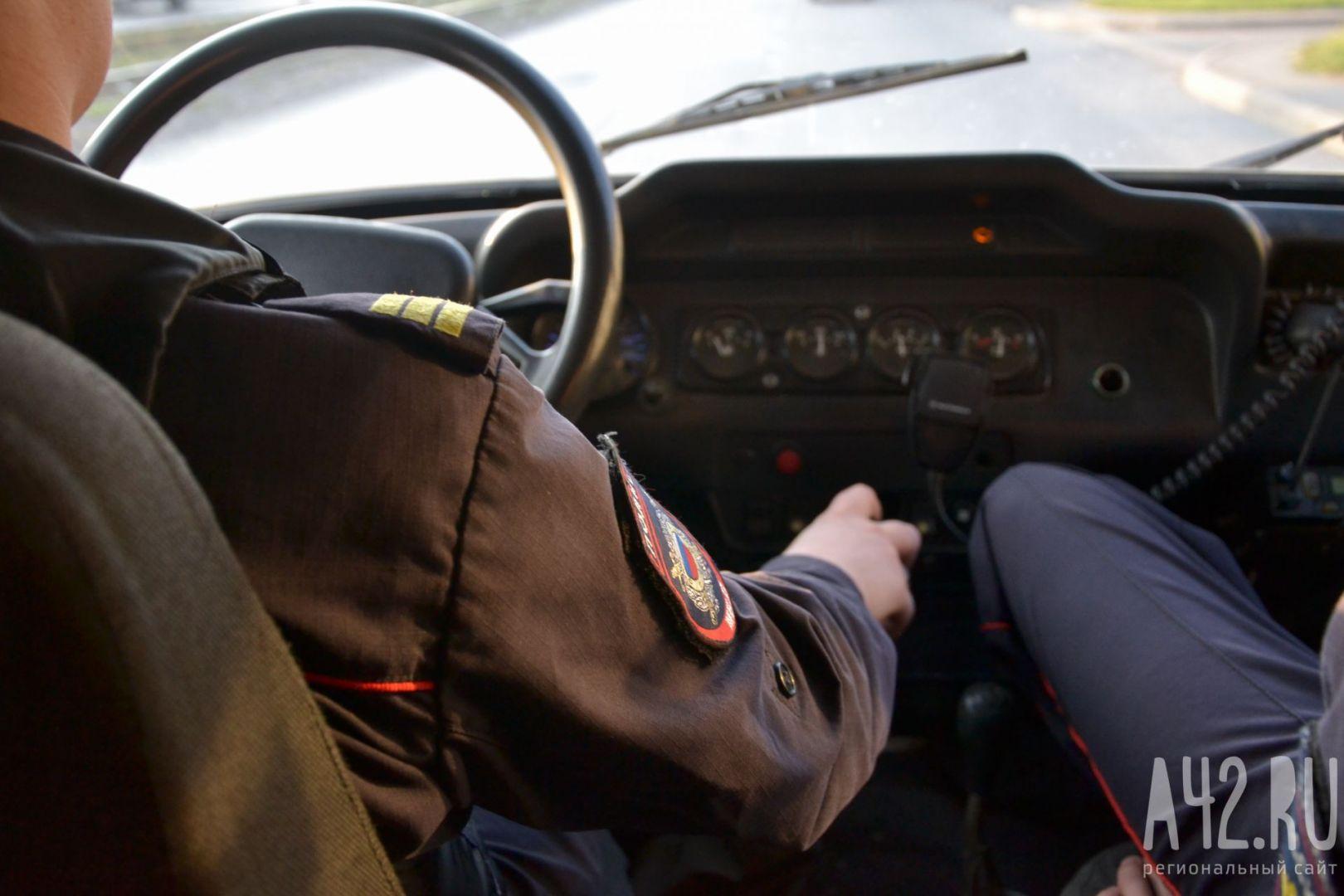 Два кузбассовца избили семейную пару, похитили уних деньги и Тоёта